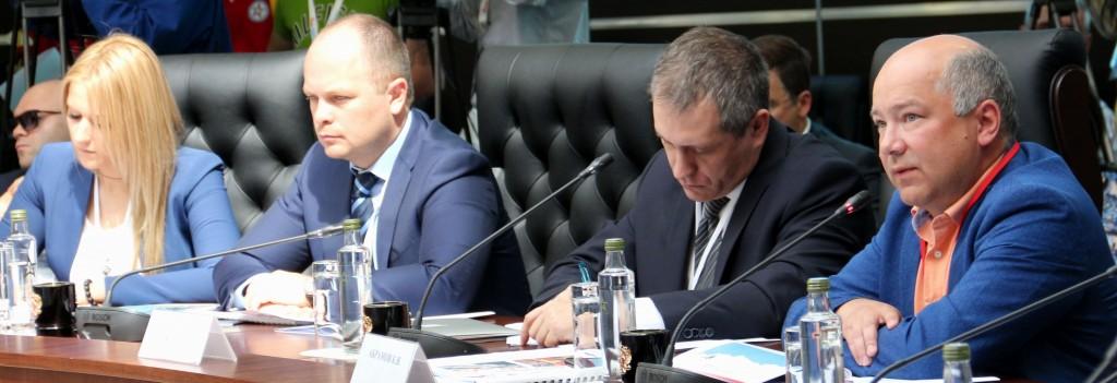 константин Абрамов, ВЦИОМ, 2015, круглый стол, Армия, общество