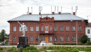 Администрация Солгалича, Администрация, город, Солигалич. находится, дом, В.А. Кокорев, Солигалич, Кокорев, подарил землю, Солигалическому земству.