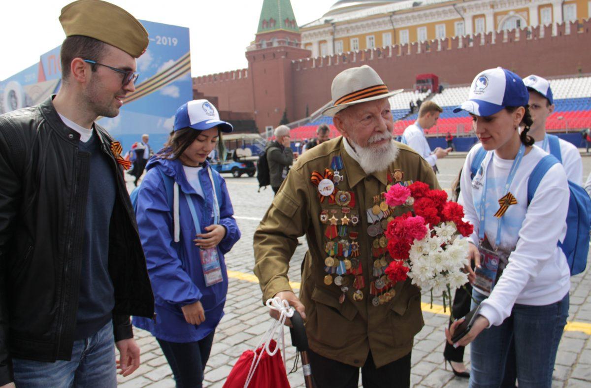 Парад, Бессмертный полк, 9 мая, 2019, Красной площади, последний, панфиловец